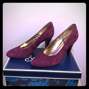 Purple suede Seychelles heels